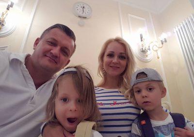 Певица Малина Малиновская с детьми